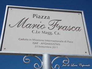 La targa in Piazza Mario Frasca, foto di Luca Caporale