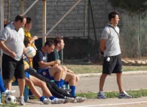 Mr. Angelo D'Aniello sulla panchina della Reali Siti, foto di Luca Caporale