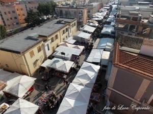 Il mercato settimanale di Orta Nova, foto di Luca Caporale
