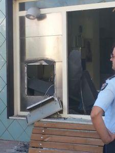 Un bancomat distrutto da un ordigno
