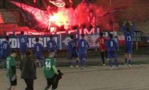 Lo Stornarella Calcio festeggia davanti ai Fedelissimi