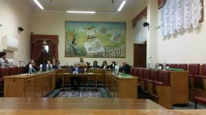 L'aula consiliare semideserta dopo l'abbandono dell'opposizione, foto di Massimo Meccola