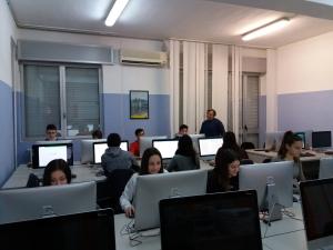 Gli alunni del Liceo Scientifico Olivetti alle prese con la prova